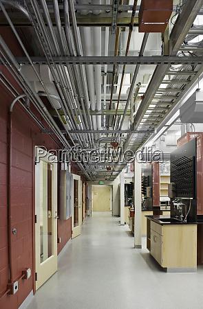 freiliegende, rohre, im, laborkorridor - 26903239