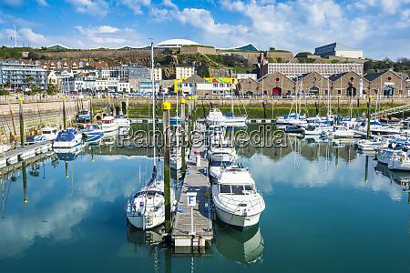 grossbritannien kanalinseln jersey st helier sportboothafen