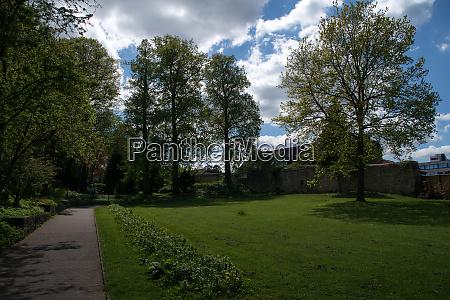 OEffentlicher park an der alten stadtmauer