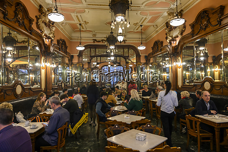customers dining in a restaurant porto