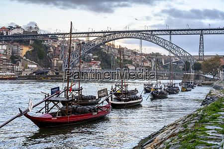 the dom luis i bridge porto
