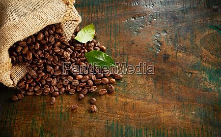 spezialitaet mischung aus frisch geroesteten kaffeebohnen