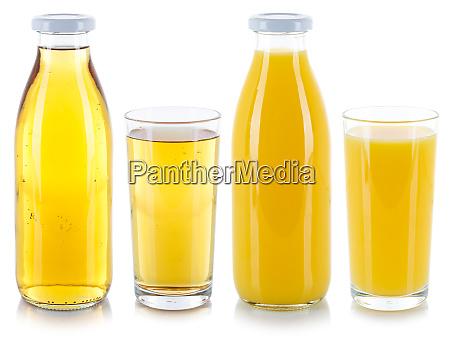 orangen und apfelsaftgetraenke in einer flasche