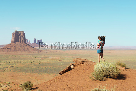 usa utah monument valley mother traveling