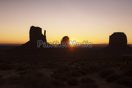 usa utah sunrise at monument valley