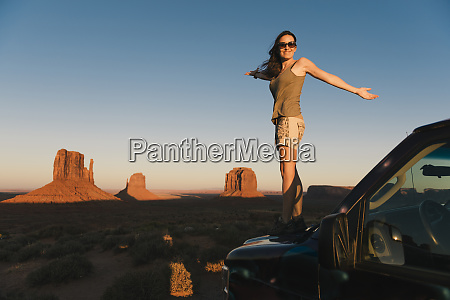 usa utah monument valley woman standing