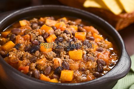 chili con carne with pumpkin