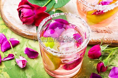 rose alcoholic drink