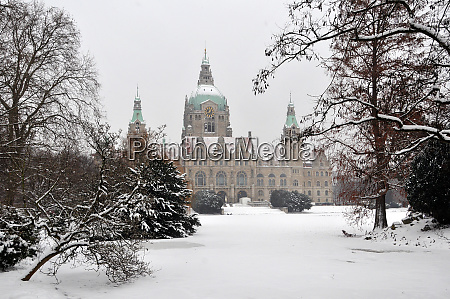 maschpark and new town hall in
