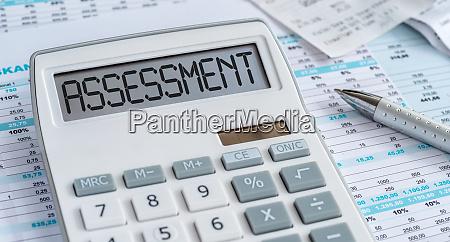 ein rechner mit dem wort assessment
