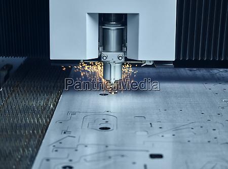 nahaufnahme des laserschneiders