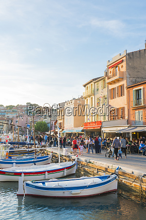 boats in cassis harbour bouches du