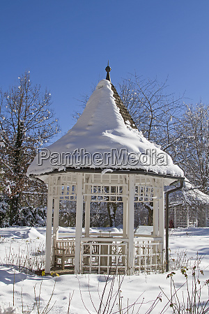 pavillon im winter