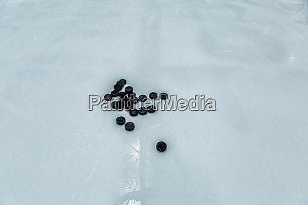 eishockey eisbahn hintergrund pucks