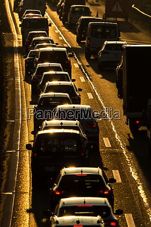 schwerer morgendliches stadtverkehrs staukonzept autos