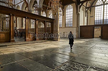 interior de oude kerk igreja velha
