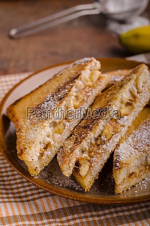 erdnussbutter bananen sandwich
