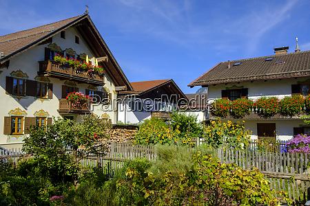 houses with flower boxes garmisch partenkirchen