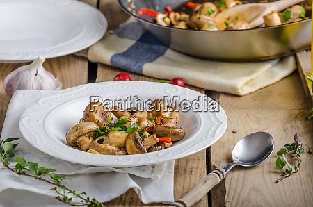 fresh mushroom salad with chilli and