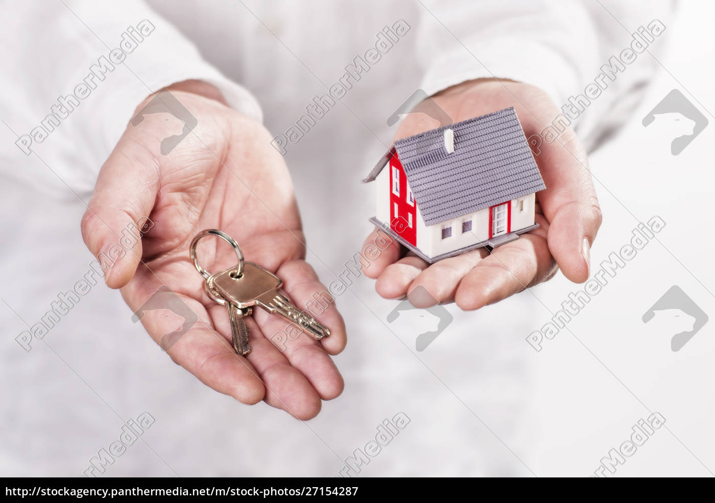 hands, holding, house, and, keys - 27154287