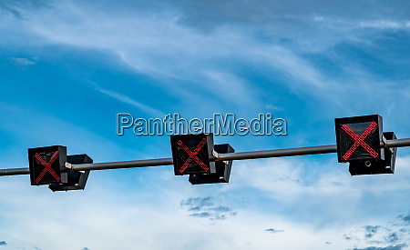 traffic signal light with red color