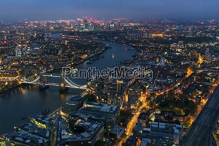 luftaufnahme der themse in london bei