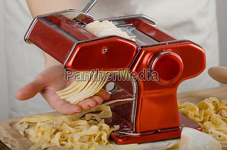 chefproduktion pasta italienische nudelmuehle