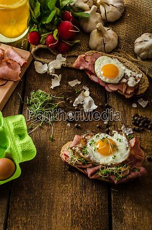 sandwich schinken geraeuchert essen fleisch brot