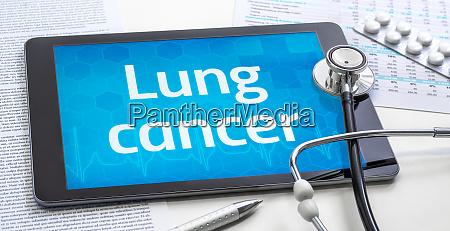 das wort lungenkrebs auf dem display