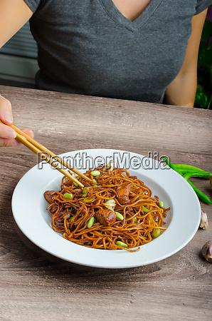 crisp noodles with soy souce
