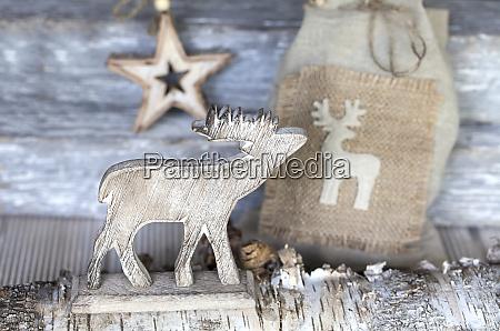 nordische weihnachten stillleben mit hirschen