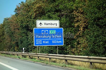 highway sign hamburg flughafen hamburg flensburg