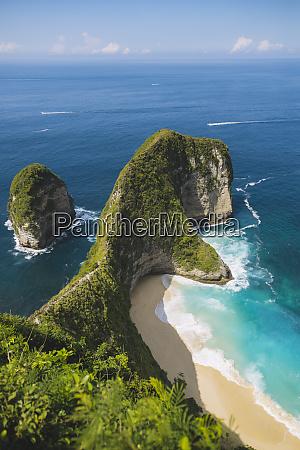 cliffs by kelingking beach in nusa
