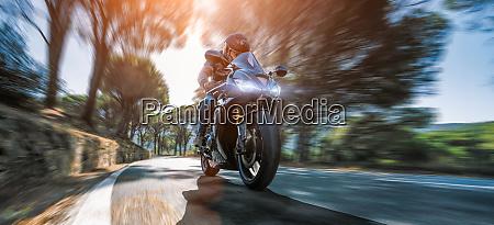 motorrad motorradfahrer biker fahrer rennen schnell