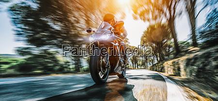 motorrad auf der kuestenstrasse fahren spass
