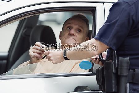 polizei sergeant UEberpruefung des fuehrerscheins
