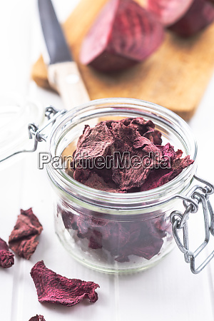 dried and raw beetroot