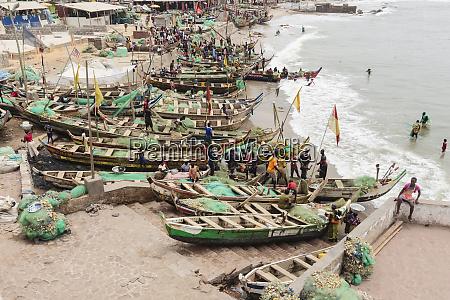 afrika westafrika ghana kapkueste elmina menschen