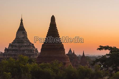 myanmar bagan temples of bagan in