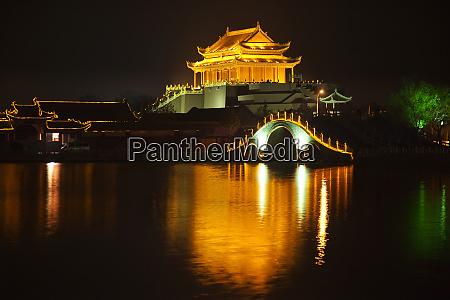 ancient dragon pavilion longting park night