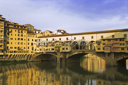 italy florence river arno and ponte