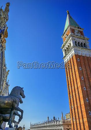 markusbasilika pferde campanile glockenturm markusplatz venedig