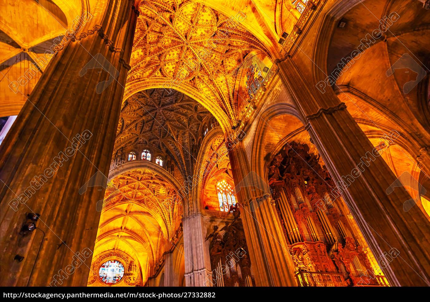 säulen, buntglas, kathedrale, von, sevilla, sevilla, andalusien, spanien., erbaut, in, den - 27332882