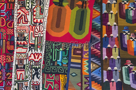 bolivian textiles found in the witchs
