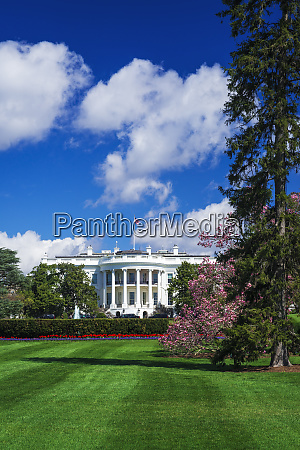 the white house and south lawn