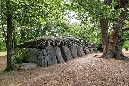dolmen la roche aux fees oder