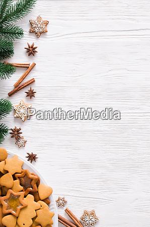 kulinarischer hintergrund mit frisch gebackenem weihnachts