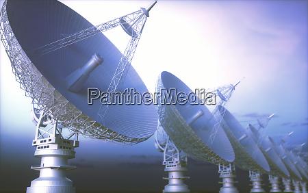 ausrichtung von riesensatellitenschuesseln fuer signal