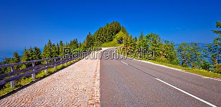 rossfeld panorama strassengipfel auf OEsterreich grenze
