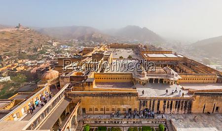 luftaufnahme des stadtpalastes in jaipur indien
